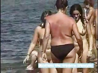 Beach nudist  0119