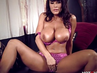 New Lisa Ann MILF Perfection