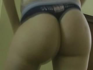 Sexy Ass College Babe Twerking Video
