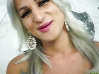 Brazilian Shemale Pamela Lenvisk Bareback