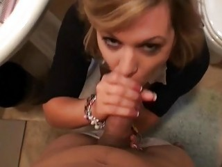 Orgasmic delight for sexy playgirl