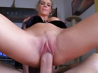 Chick acquires warm semen delight after fucking