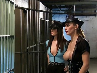 Kinky tramps foursome in the jailcell