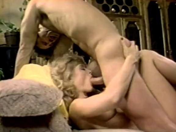 Nina Hartley Strapon Lesbian